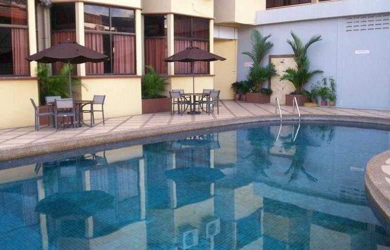Grand Crystal Kedah - Pool - 5