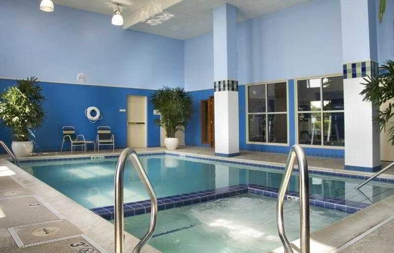 Hyatt Hotel - Pool - 4