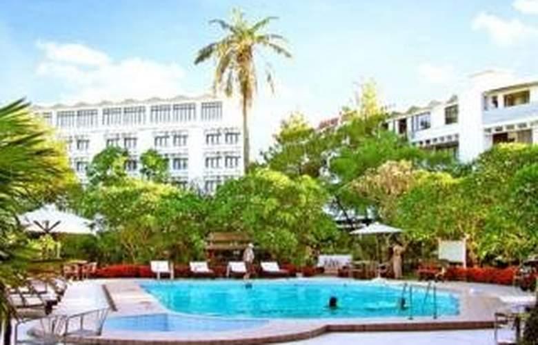 Huong Giang Hue - Pool - 6
