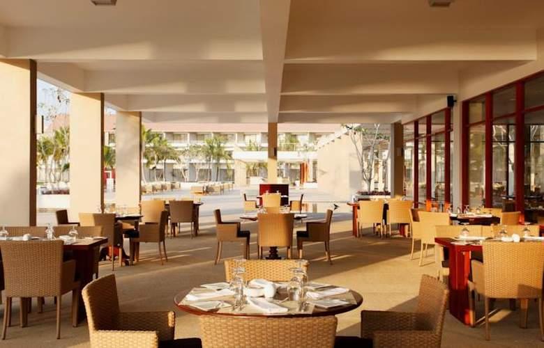 Amaya Beach Resort & Spa - Terrace - 13