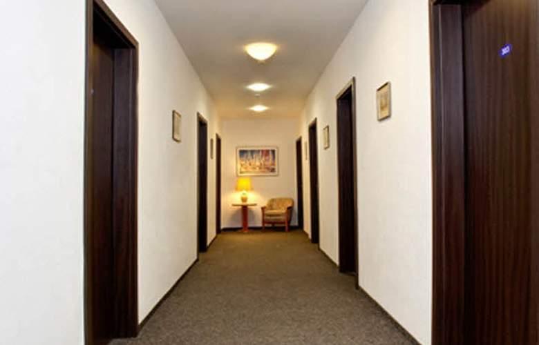 Potsdamer Inn - General - 4