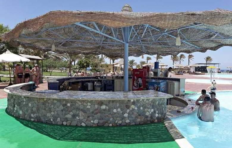 Three Corners Sea Beach Resort - Bar - 26