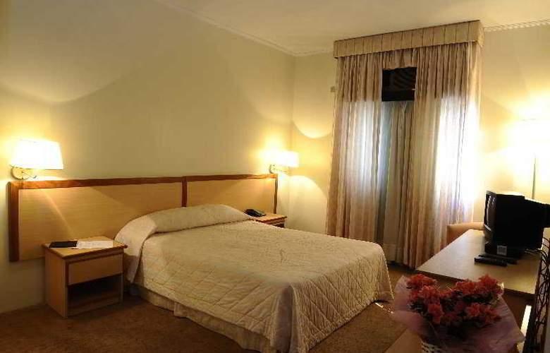 Hotel Augusta Boulevard - Room - 0