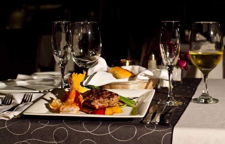 Crowne Plaza Resort Mazatlan - Restaurant - 52