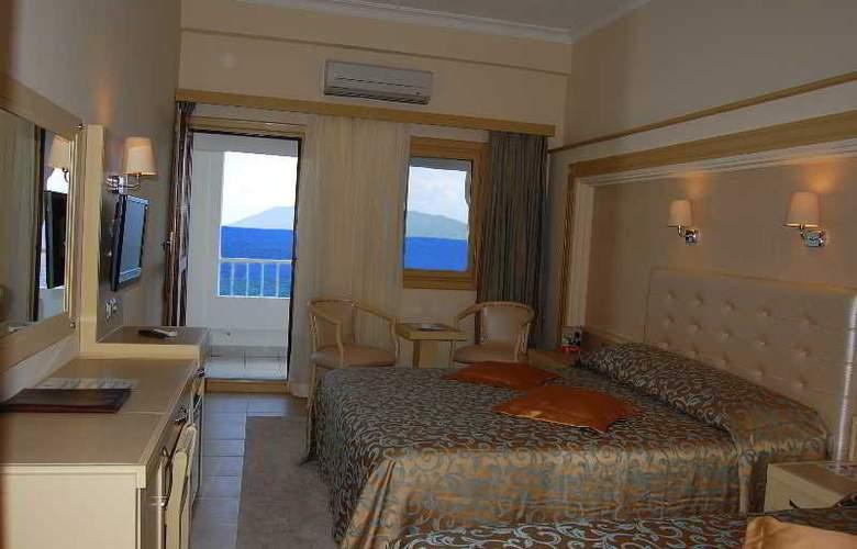 Azka Hotel - Room - 4