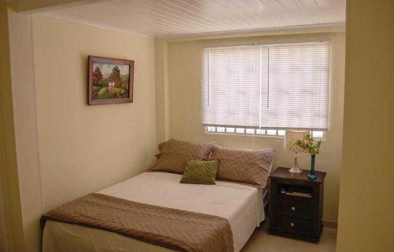 The Retreat Homeaway - Room - 4