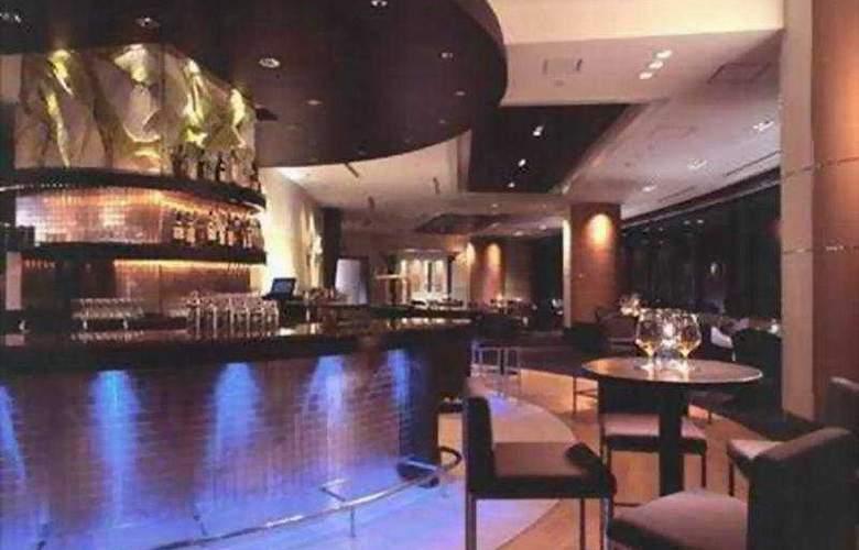 Hilton Tokyo Narita Airport Hotel - Bar - 3