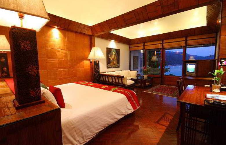 Mom Tri's Villa  Royale - Room - 13