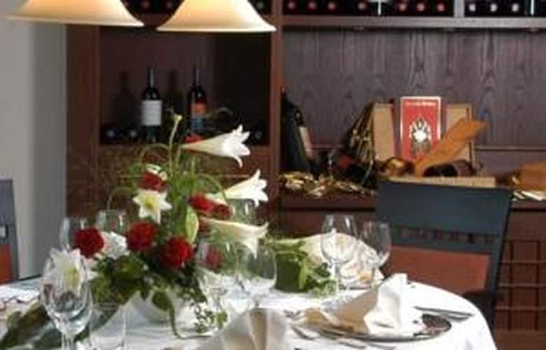 Steigenberger Turinger Hof - Restaurant - 22