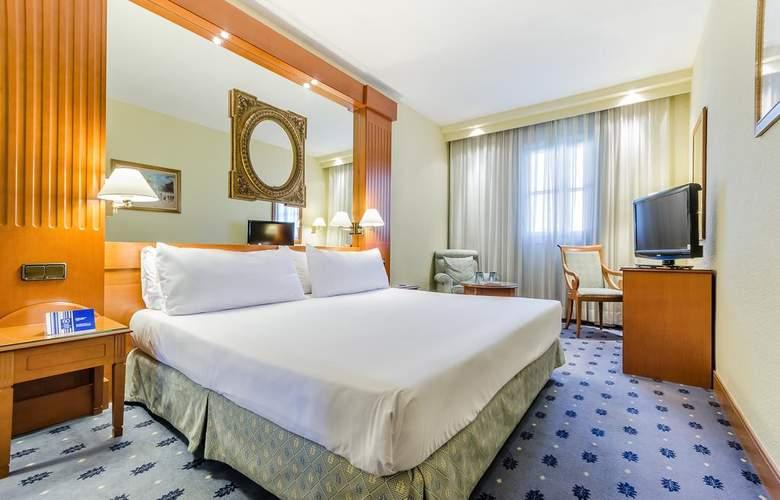 Exe Sevilla Macarena - Room - 6