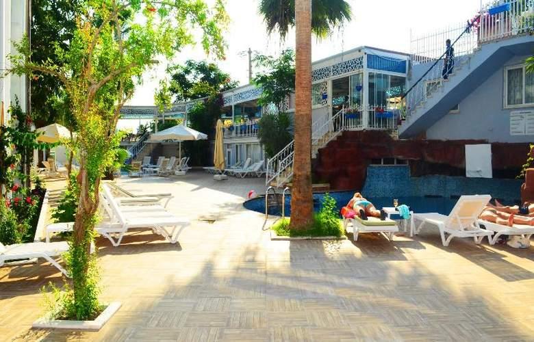 Sunbird Apart Hotel - Hotel - 13
