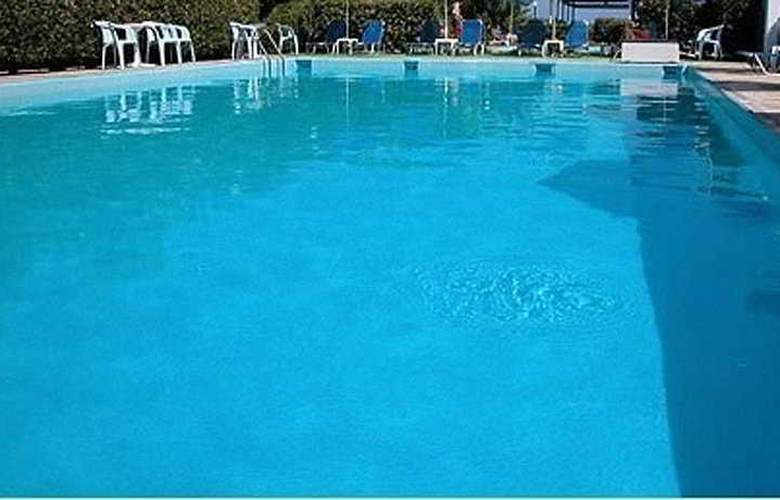 Galeana Beach Aparthotel - Pool - 3
