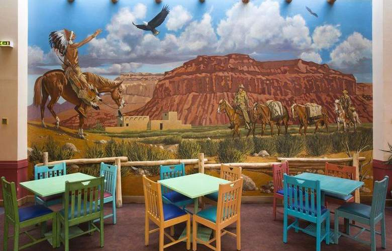 Disney's Hotel Santa Fe - Restaurant - 11