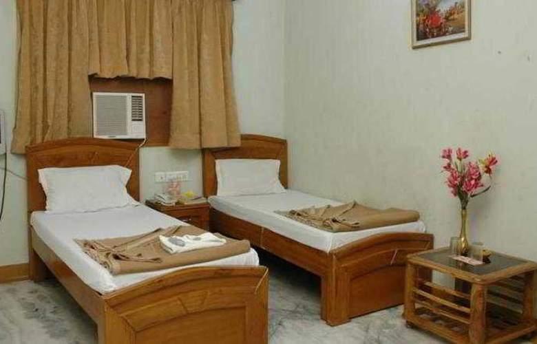 Indira International Inn - Room - 6