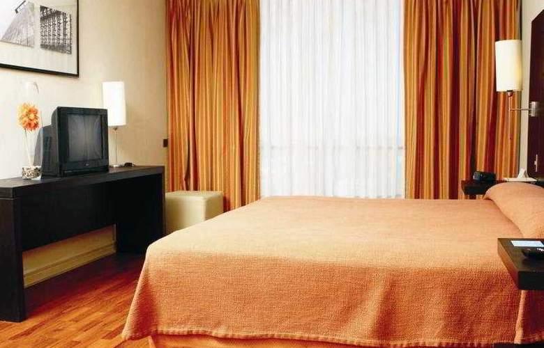 NH Ciudad de Santiago - Room - 4