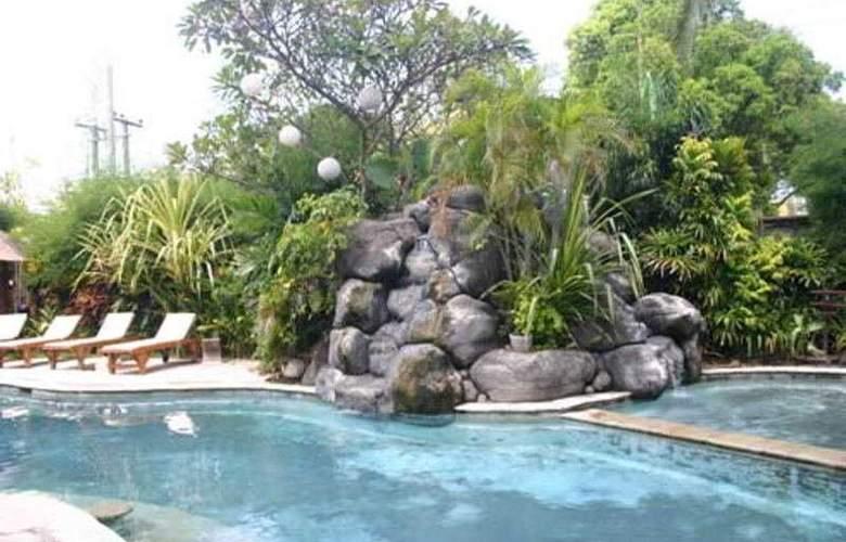 Puri Cendana Resort - Pool - 5