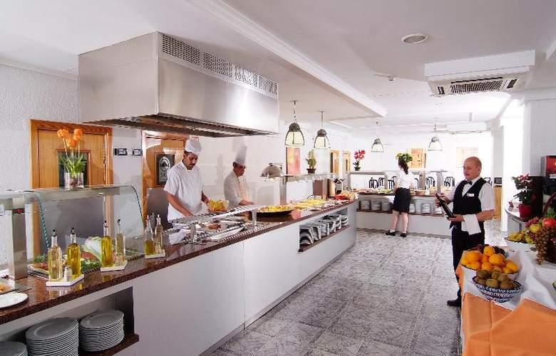 Invisa Hotel Es Pla - Restaurant - 15