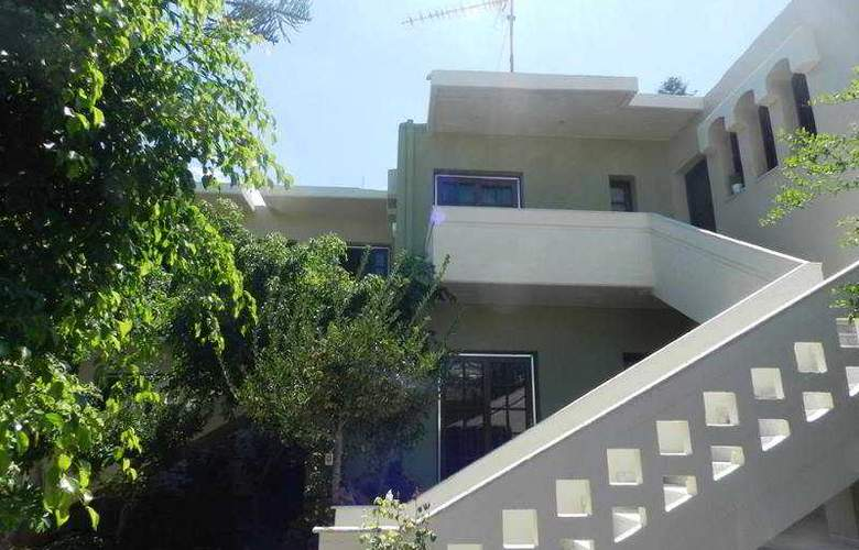 Evangelos Apartments - Hotel - 3