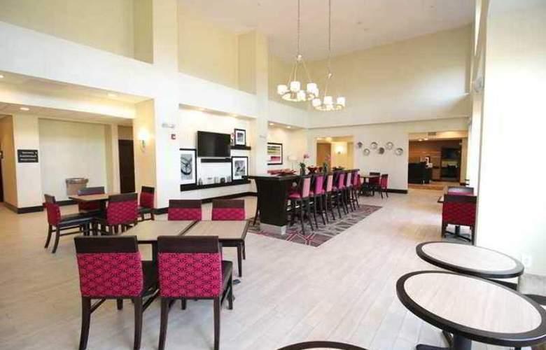 Hampton Inn Sandusky/Milan - Bar - 6