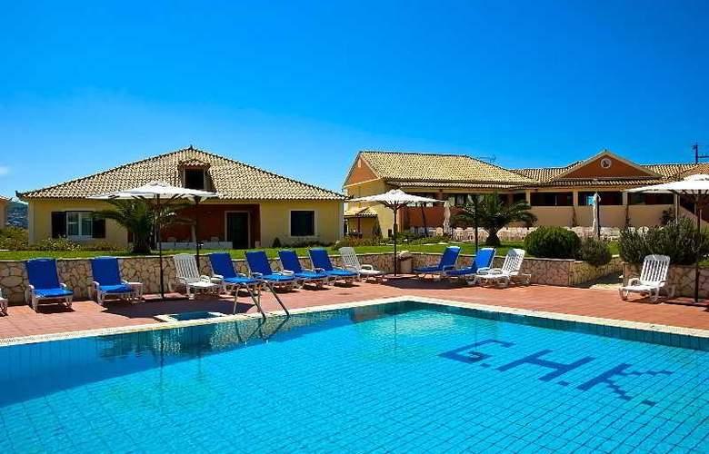 Keri Village - Hotel - 2