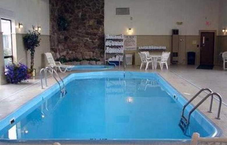 Comfort Inn I-90 - Pool - 8
