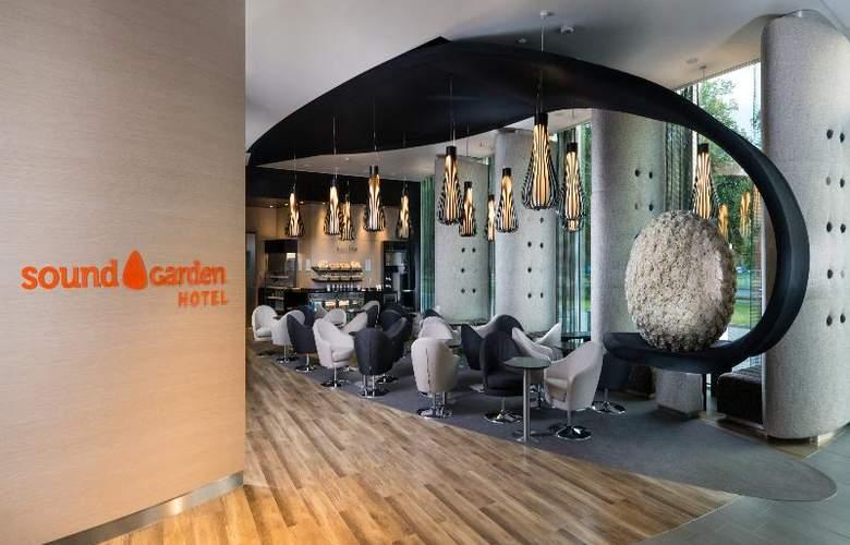 Sound Garden Hotel Airport - General - 12