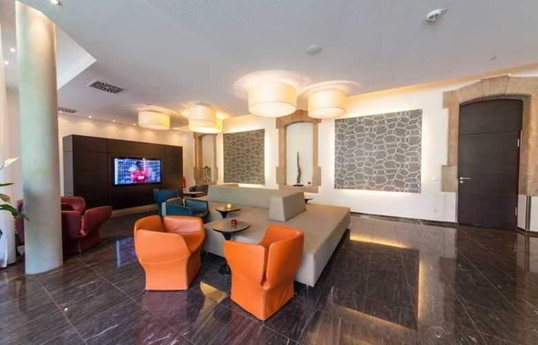 Novina Tillypark Hotel - General - 1