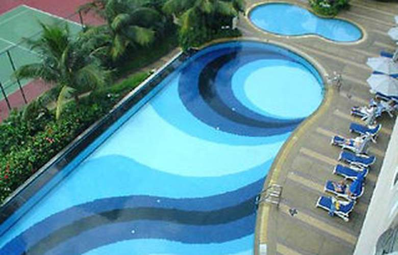 Darby Park Executive Suites - Pool - 2