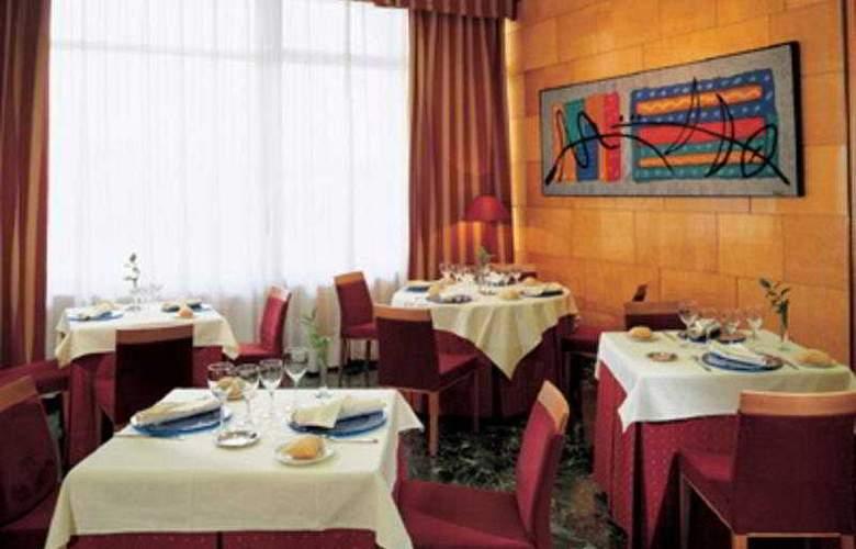 NH Ciudad de Zaragoza - Restaurant - 5