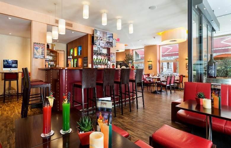 Cascada Swiss Quality Hotel - Bar - 12
