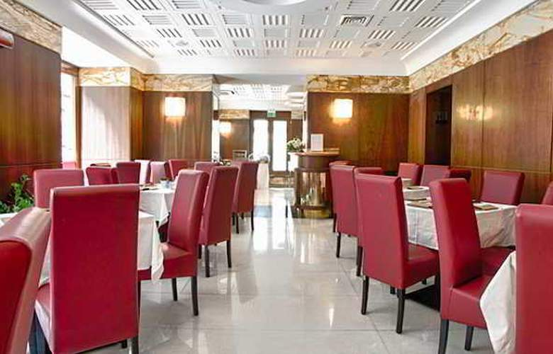 Naples - Restaurant - 2