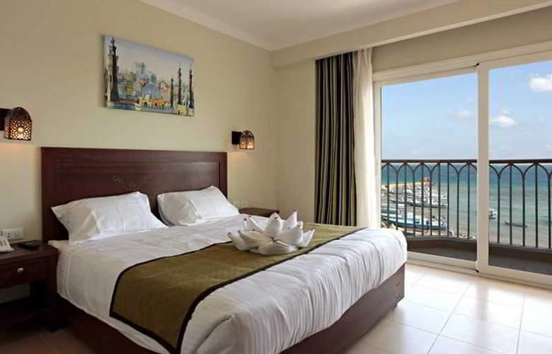 The Three Corners Royal Star Beach Resort - Room - 13