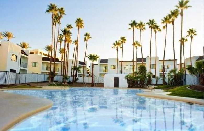 Rumor Boutique Hotel - Pool - 2