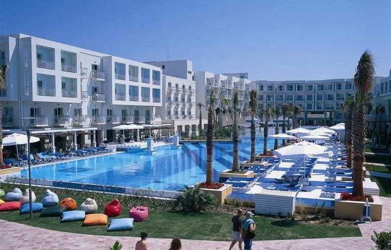 La Blanche Resort & Spa - General - 2