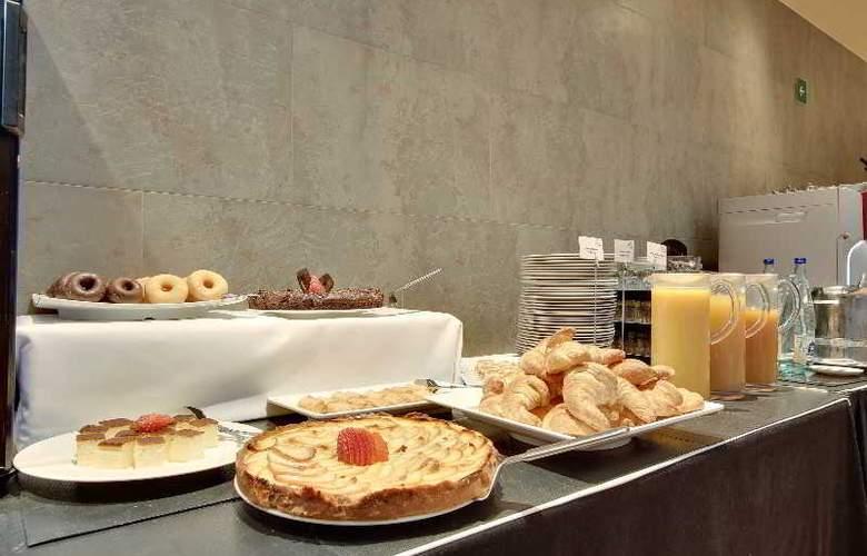 Rafael Hoteles Badalona - Restaurant - 40