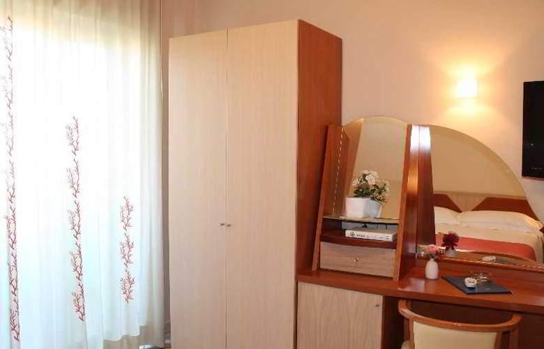 Maiuri - Room - 22