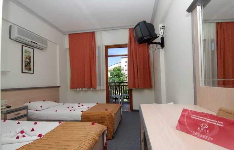 Rose Hotel - Room - 2