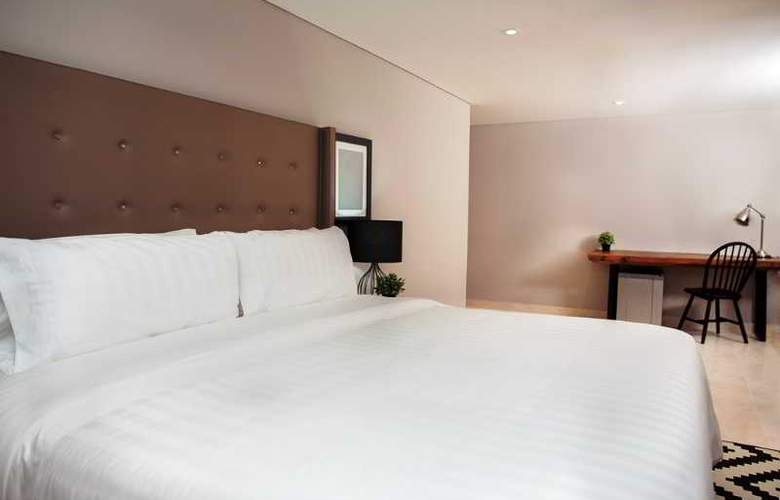 San Lazaro Art Style - Room - 2
