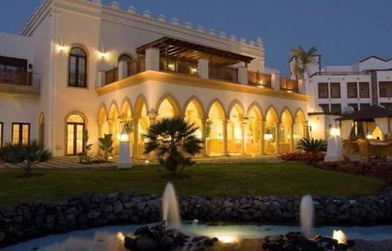 Gran Castillo Tagoro Hotel & Resort - Hotel - 4