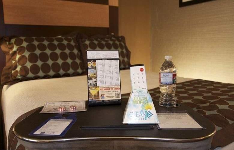 Best Western Plus Innsuites Phoenix Hotel & Suites - Room - 22