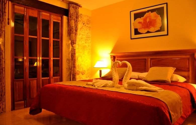 Cancun International Suites - Room - 5