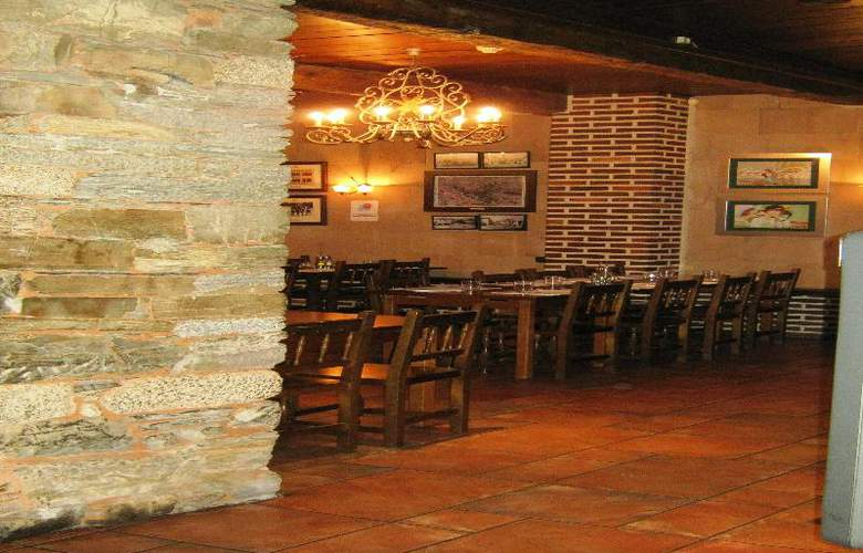 Aroi Bierzo Plaza - Bar - 8