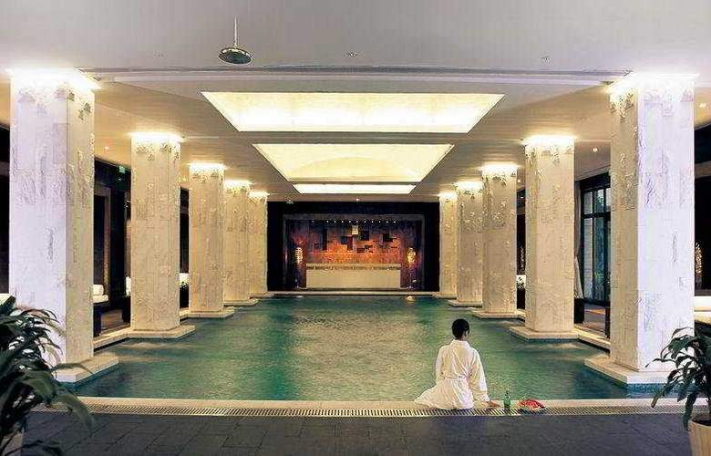 Rose Garden Resort - Pool - 7
