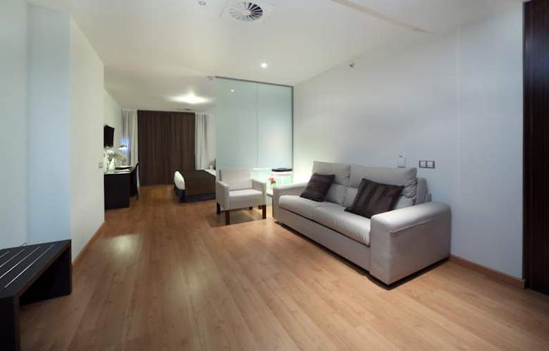 Dome Madrid Las Tablas - Room - 14