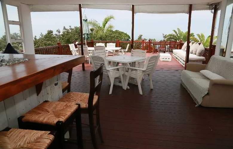 Crawford's Beach Lodge - Sport - 6