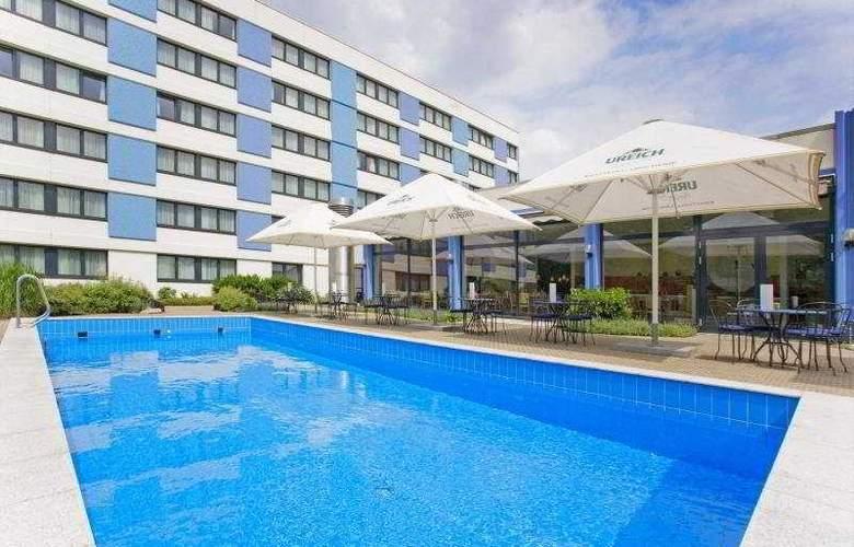 Park Inn by Radisson Mannheim - Pool - 5