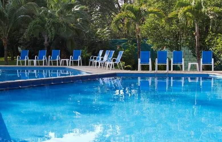 Ciudad Real Palenque - Pool - 4