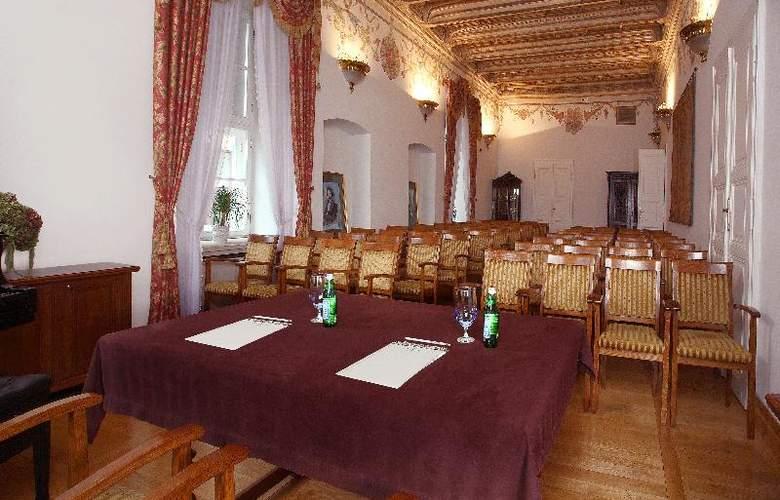 The Bonerowski Palace - Conference - 18