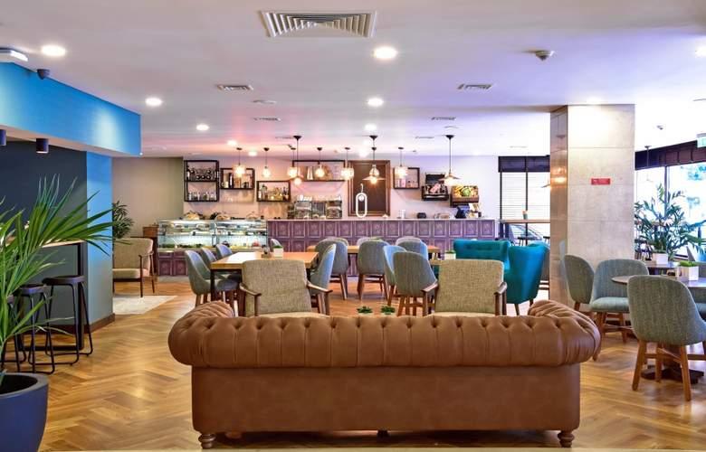 Tivoli Coimbra - Bar - 16
