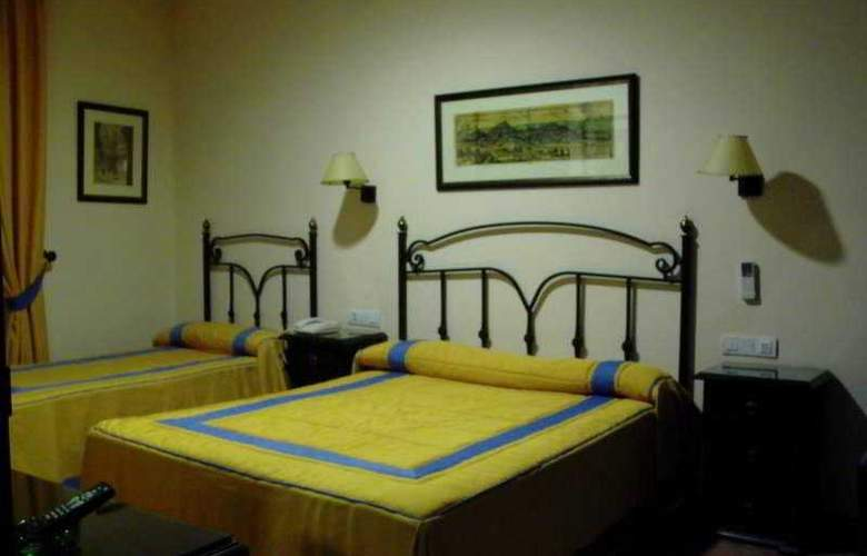 Calderon - Room - 4